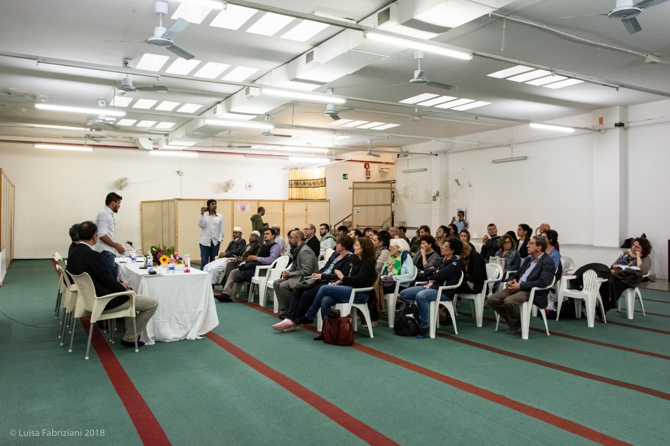 Un convegno organizzato nella moschea