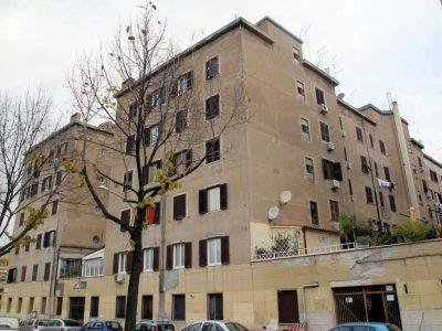 """Complesso case popolare """"Mille Vani"""""""