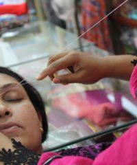 Saloni di bellezza femminili a Torpignattara: la depilazione delle sopracciglia a filo