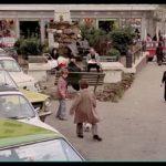 Un Borghese piccolo piccolo - Litigio di Giovanni con ragazzo, su via Casilina lato piazza del cannone