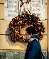 Ai martiri della libertà. Targa marmorea ai partigiani dell'8a Zona di Resistenza