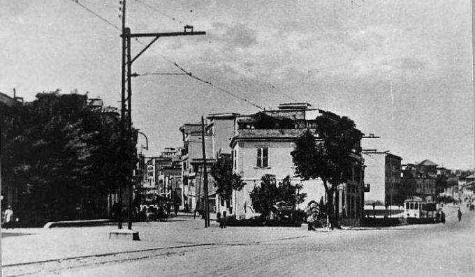 Piazza del Cannone. Sulla destra via Casilina, sulla sinistra via Baracca